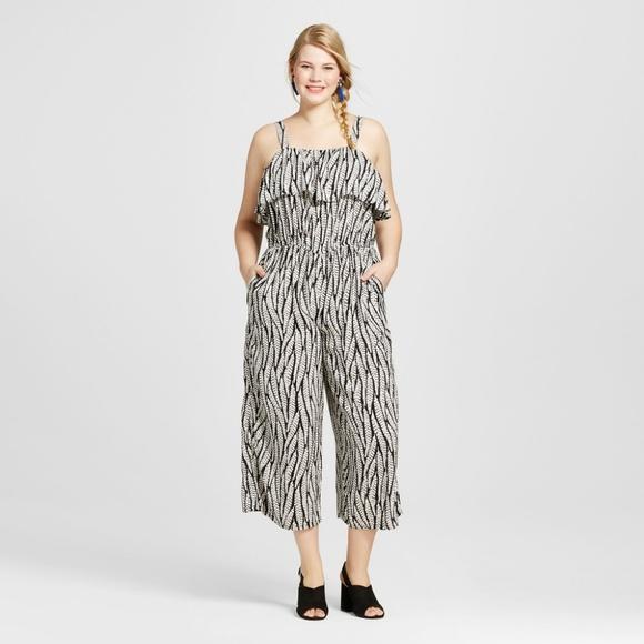 8cf6bd5d18c Ava   Viv Women s Plus Size Ruffle Jumpsuit